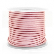 DQ leather round 2 mm Powder Pink Metallic